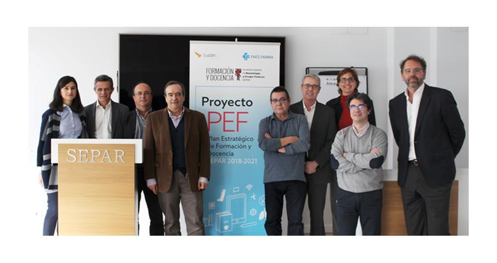 Imagen con representantes de esta colaboración entre FAES FARMA y SEPAR